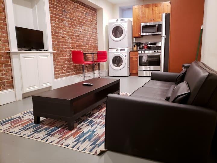 (36-B2) Simple Quaint Apartment- Brookline