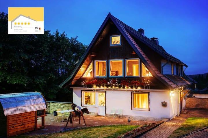 Ferienhaus Fingerhut 5***** mit Gartensauna