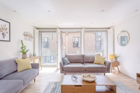 Exclusive City Centre Townhouse with Parking