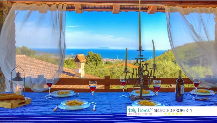 Villa con Piscina e Ampio Giardino ★ 6 Ospiti