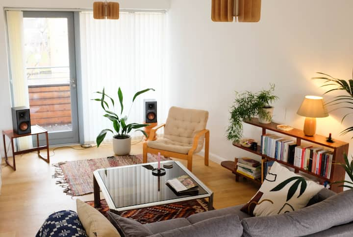 Stylish and modern flat in Hackney, free parking