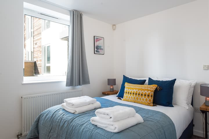 Brand New Two Bedroom Apartment in Camden Town 104
