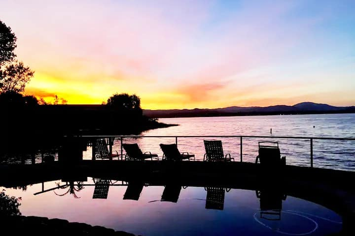 Lakefront, Clearlake  Dream Pool & Spa w/King bed