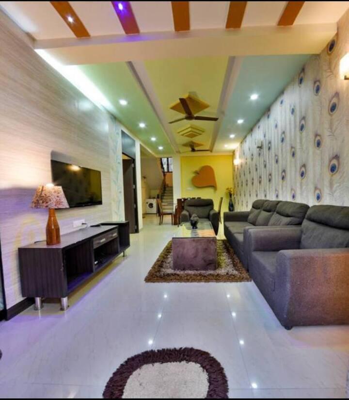 4 BHK Modern Exotic Villa with Pool WiFi nr BAGA