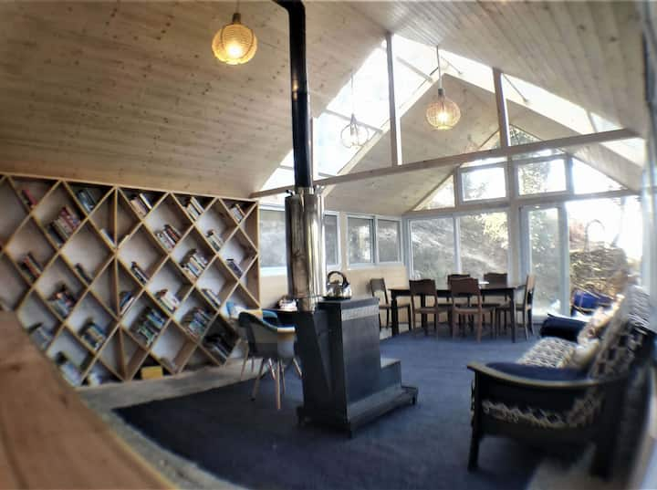 Treehouse Cobb Cottage - One
