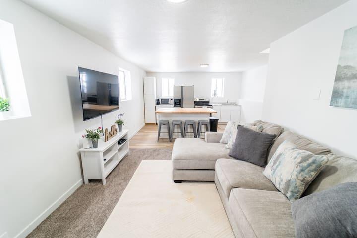 Heart of Hyde Park Luxurious Getaway Suite