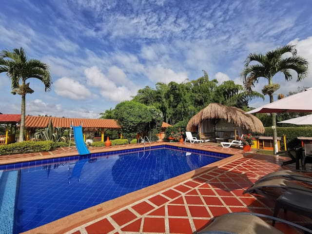 3-Night Finca Stay - Friends & Family Package Deal