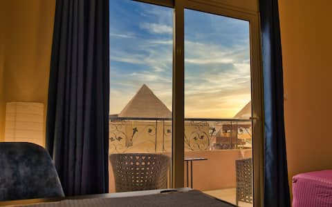 Great Pyramids View from your Sky Lounge (2)