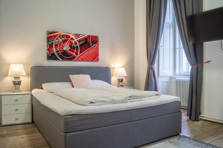 Bookable Lockdown w/ Kingsize Bed Mariahilferstr C