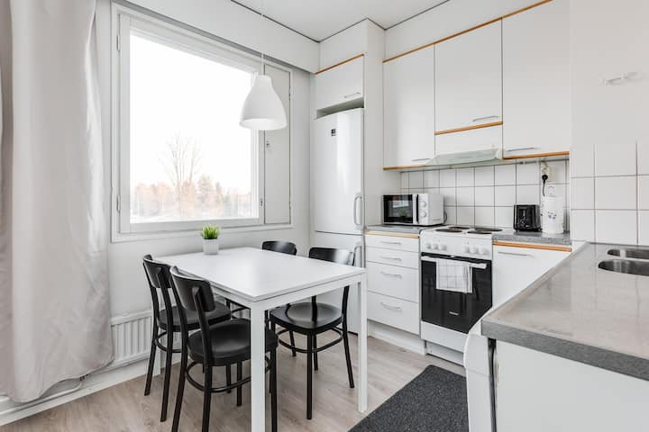 One Bedroom Apartment with Balcony and Parking