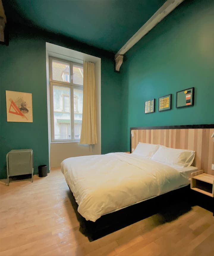 Cozy Double Room - Breakfast included- City Center