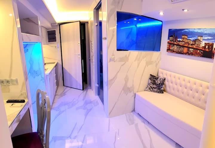 Central Junior Suite (24sgm)