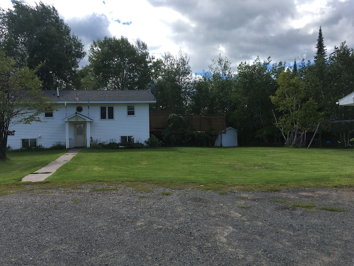 Country Home-10 miles East of Superior