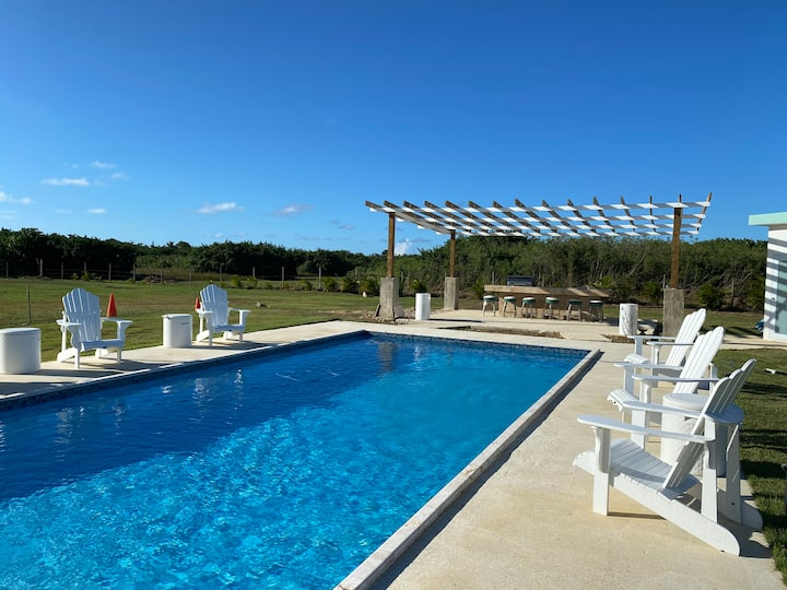 The Grand Villa - Private Pool Villa in Arecibo