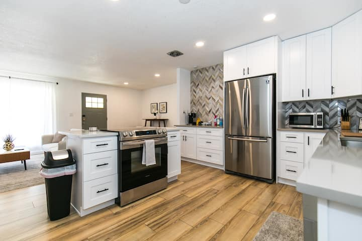 New Private 2br/2bath, 10min to Downtown Denver!!!