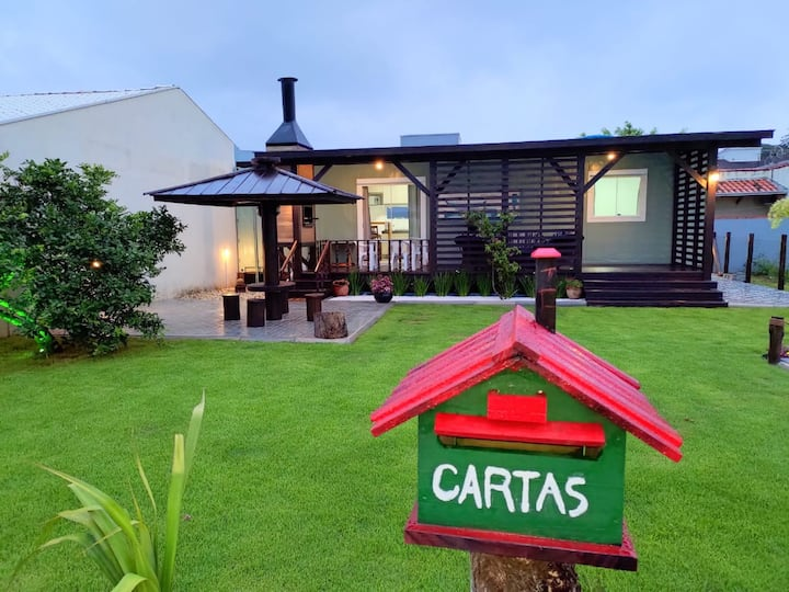 Casa Container - Belíssima casa em Zimbros 2Q/1WC.