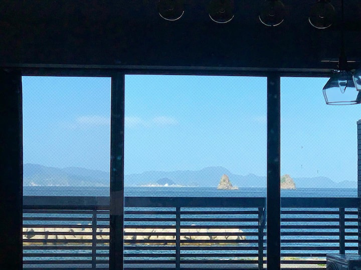 海まで徒歩5秒!窓から瀬戸内を独り占めSetouchi Guest House【sora|umi】