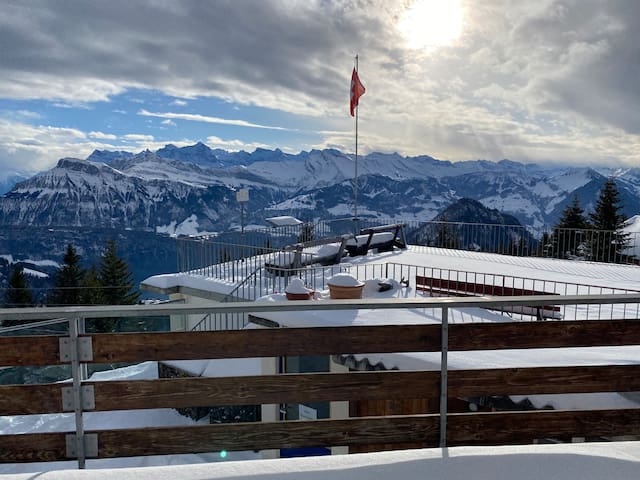 Rooms with view - Rigi Burggeist Alpine Guesthouse