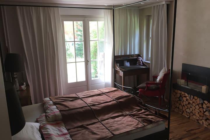 Zimmer 1 mit Queensizebett