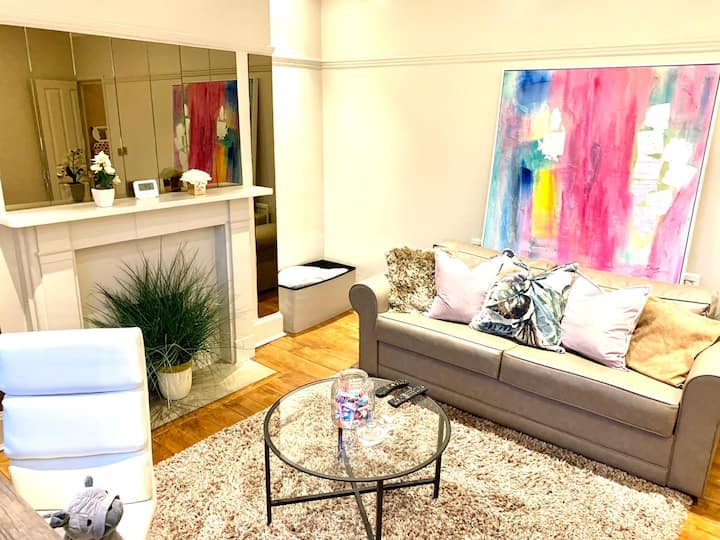 AMAZING CHIC CITY APT (E2) Sleeps up to 4 ! CAMBS