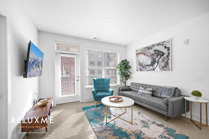 Modern 2BR/2BA Corp Housing Apt. in Park Road Area