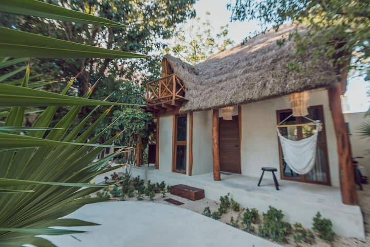 COZY cottage: tiny OASIS in the HEART of Tulum