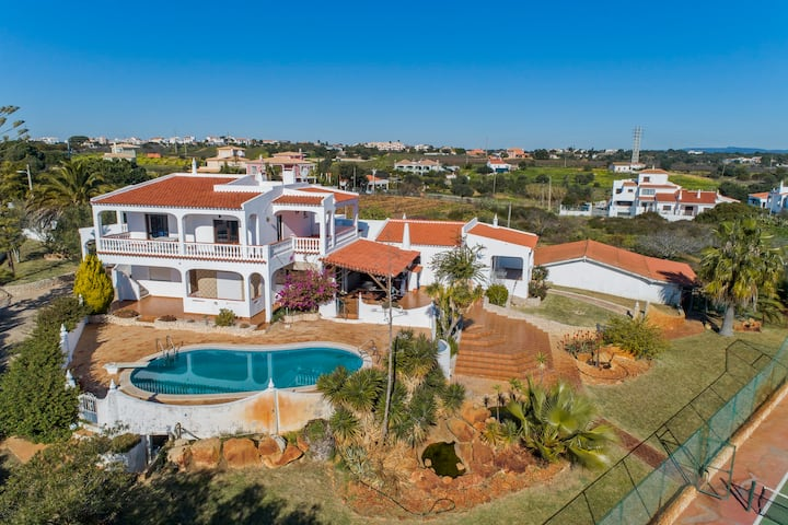 Tranquil 2 bedr Rural Apart 100m2 w Sea View& Pool
