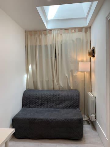 Le bureau / petite Chambre avec lit BZ
