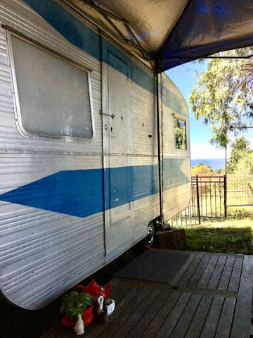 Katoomba Mountain Top Retro Van - Glamping