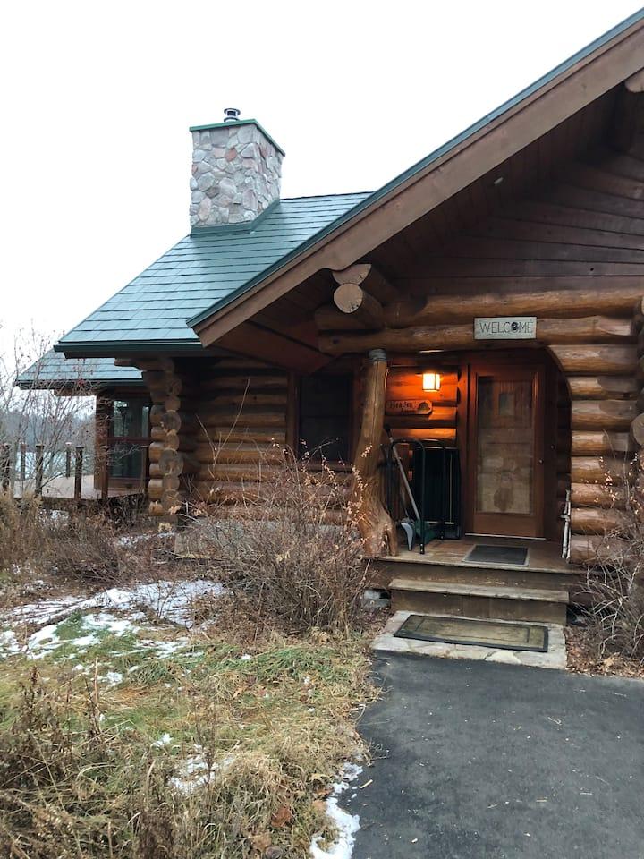 Log Home up nord at da Lake