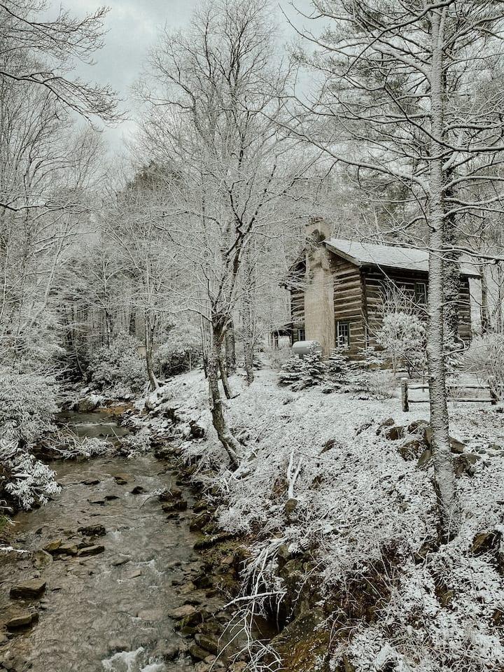This Old River Cabin - Log cabin in Banner Elk