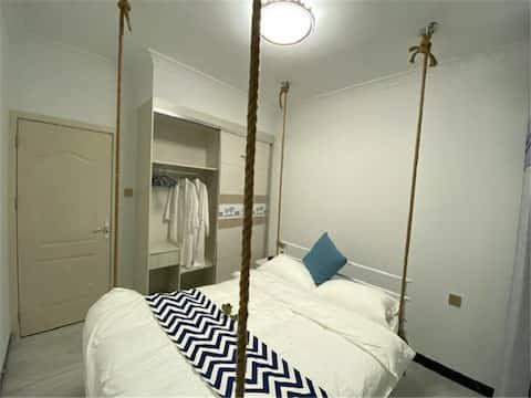 万达广场二室吊床房