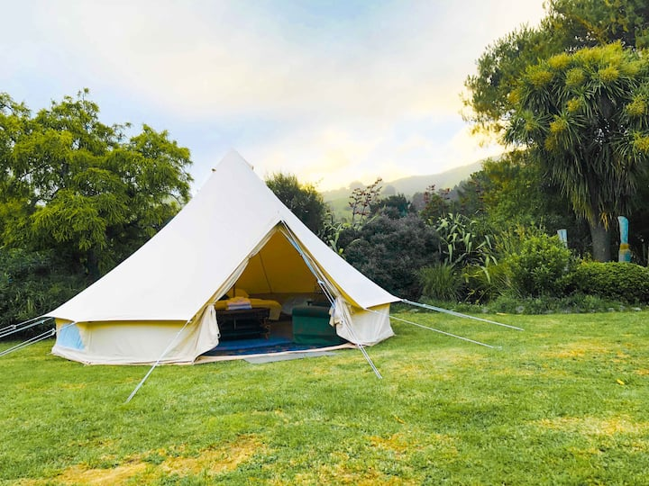 Romantic Bell Tent in Heart of Banks Peninsula