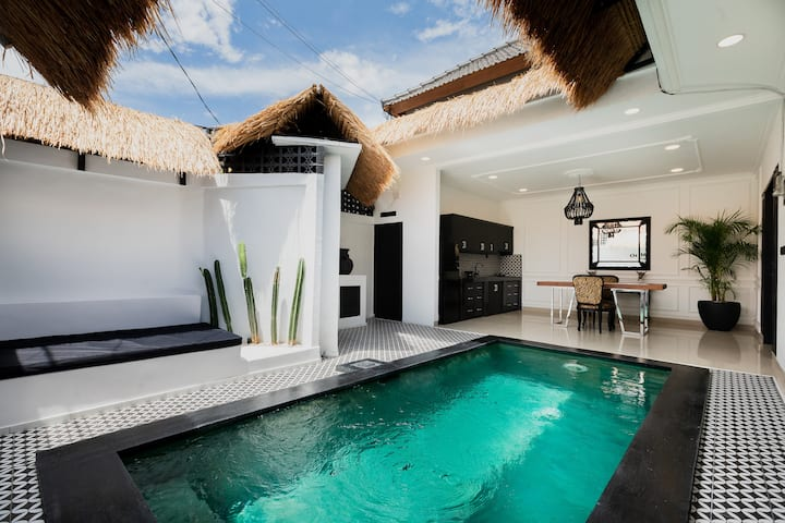 BRAND NEW  1BD in heart of SEMINYAK (VILLA KOMODO)