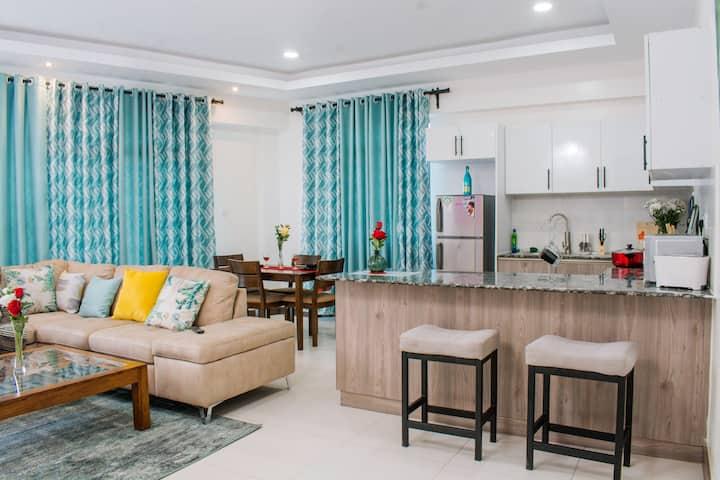 Modern 1BR Apartment with gym &pool - Near Yaya