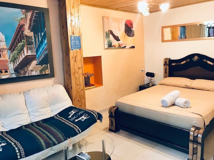 Double room with sofa, your home in Cartagena!