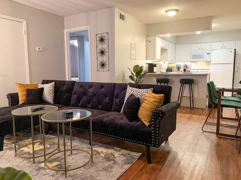 Luxury Midtown - Near Overton Square and Downtown