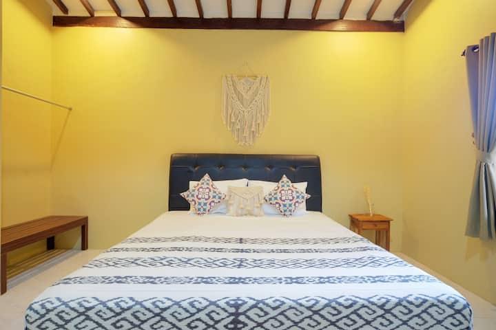 Bata Merah Homestay Banyuwangi | Langsat Room