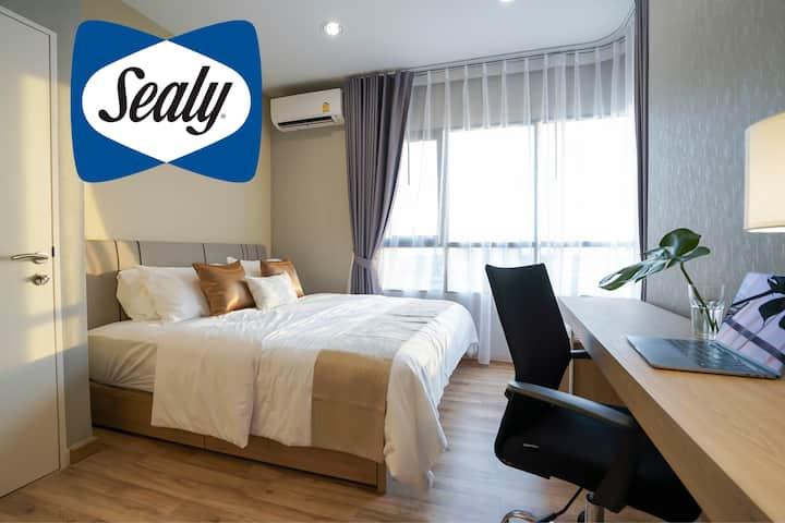 Bangkok New 1 Bedroom Condo @BTS Bearing 400m.