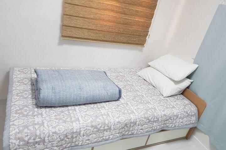 작은방 싱글침대1개 요,이불
