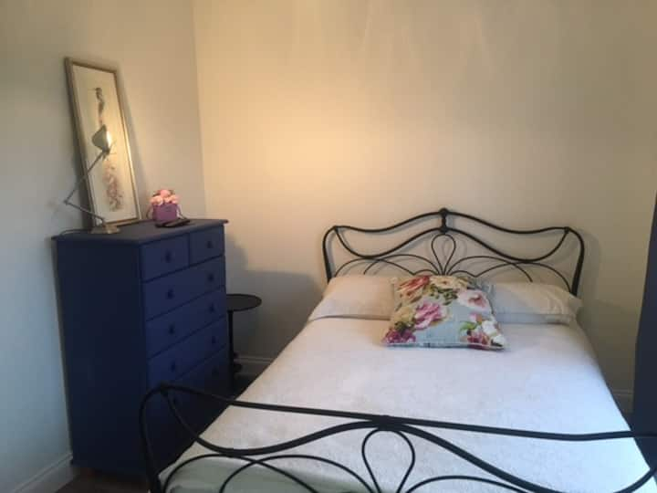 EN-SUITE ROOM WITH VIEW HISTORIC WESTHAM  PEVENSEY