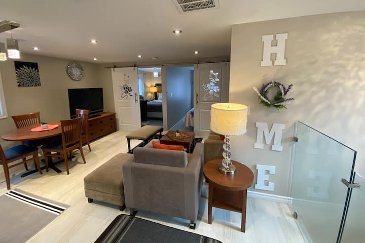 6Bed 2Kitchen Spacious Guest Suite - Lundy's Lane