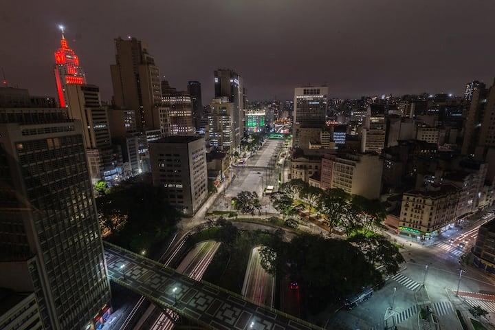 Loft com a MELHOR vista do Centro de São Paulo