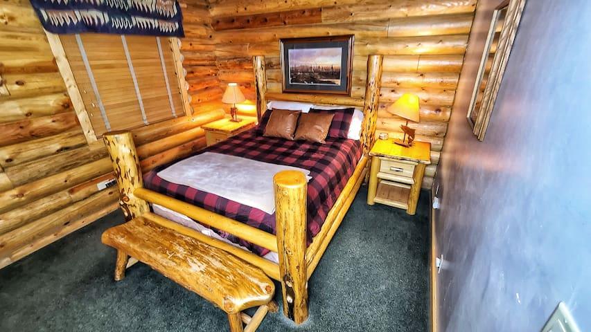 Bedroom #3 (Queen Bed)