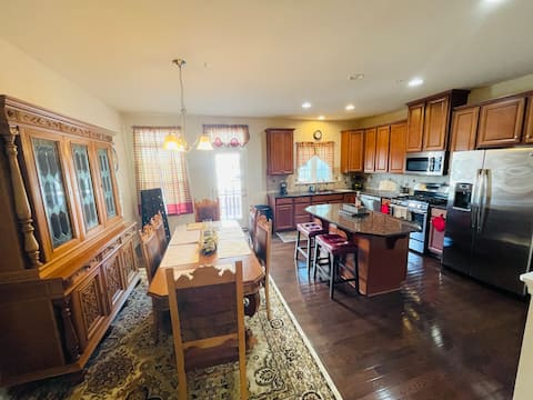 Entire townhouse in the heart of Short Pump, Va.