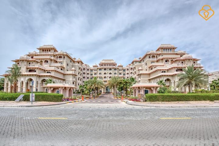 Free Beach access  One bed Grandeur Palm Jumeirah