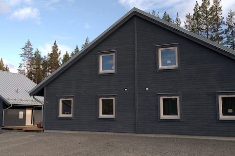 Fin nybyggd lägenhet nära Idrefjäll.