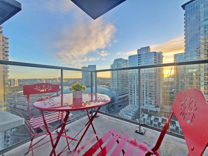 Sun-Splashed🔆Skyline High Flr+Balcony Netflix+PKG