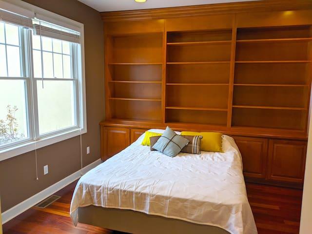Bedroom 1 with queen bed - main level