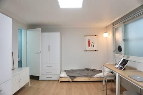 서강대(광흥창)역 여성 셰어하우스 Deluxe room with Private bath